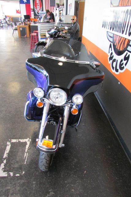 2010 Harley-Davidson Electra Glide® Ultra Limited Arlington, Texas 4