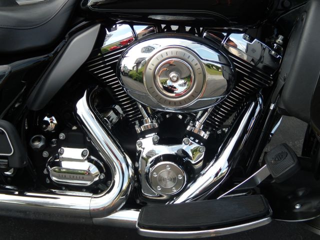 2010 Harley-Davidson Electra Glide® Ultra Classic® Ephrata, PA 10