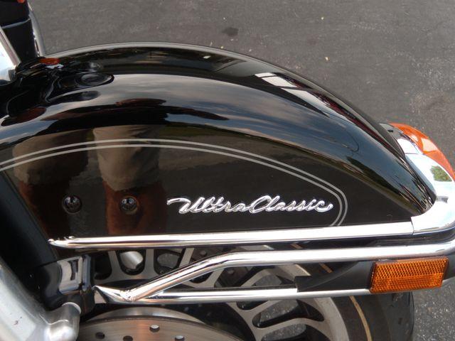 2010 Harley-Davidson Electra Glide® Ultra Classic® Ephrata, PA 9