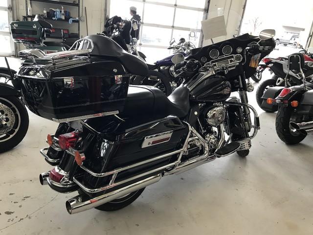 2010 Harley-Davidson Electra Glide® Classic Ogden, Utah 3