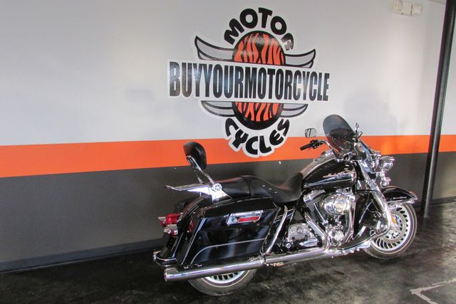 2010 Harley Davidson ROAD KING FLHR ROADKING STANDARD Arlington, Texas 1