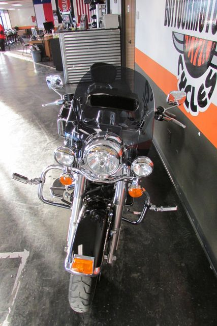 2010 Harley Davidson ROAD KING FLHR ROADKING STANDARD Arlington, Texas 4