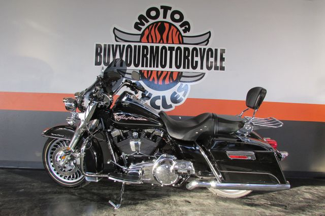 2010 Harley Davidson ROAD KING FLHR ROADKING STANDARD Arlington, Texas 43