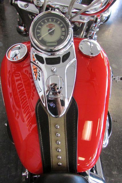 2010 Harley-Davidson Softail® Heritage Softail® Classic Arlington, Texas 26