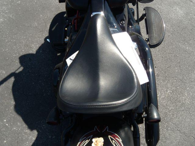 2010 Harley-Davidson Softail® Cross Bones™ Ephrata, PA 16