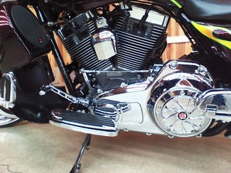 2010 Harley-Davidson Street Glide® CVO™ Anaheim, California 14