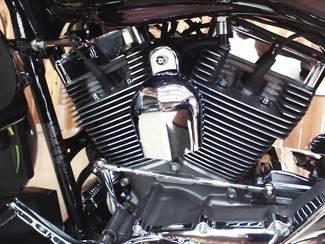2010 Harley-Davidson Street Glide® CVO™ Anaheim, California 6