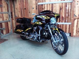 2010 Harley-Davidson Street Glide® CVO™ Anaheim, California 4