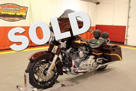 2010 Harley-Davidson Street Glide CVO in West Chicago, Illinois