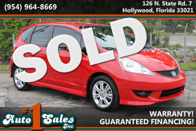 2010 Honda Fit Sport  WARRANTY AUTOCHECK CERTIFIED GAS SAVER FLORIDA VEHICLE 4 SERVICE RECO