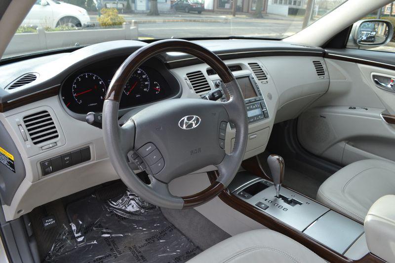 2010 Hyundai Azera Limited  city New  Father  Son Auto Corp   in Lynbrook, New
