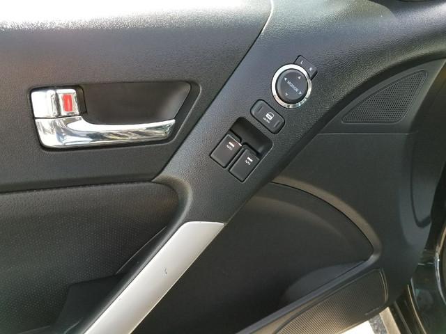2010 Hyundai Genesis Coupe Ogden, Utah 18
