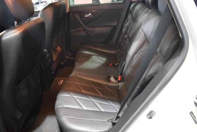 2010 Infiniti FX35 RWD 4dr Richmond Hill, New York 6