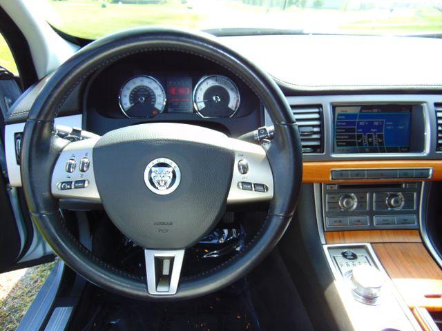 2010 Jaguar XF Luxury Leesburg, Virginia 22