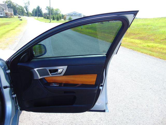 2010 Jaguar XF Luxury Leesburg, Virginia 45