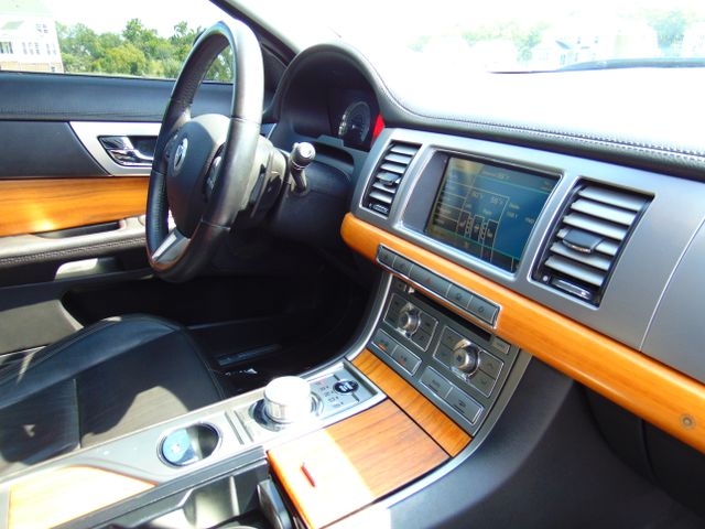 2010 Jaguar XF Luxury Leesburg, Virginia 33