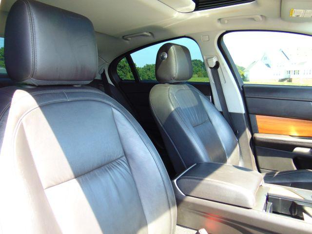2010 Jaguar XF Luxury Leesburg, Virginia 42