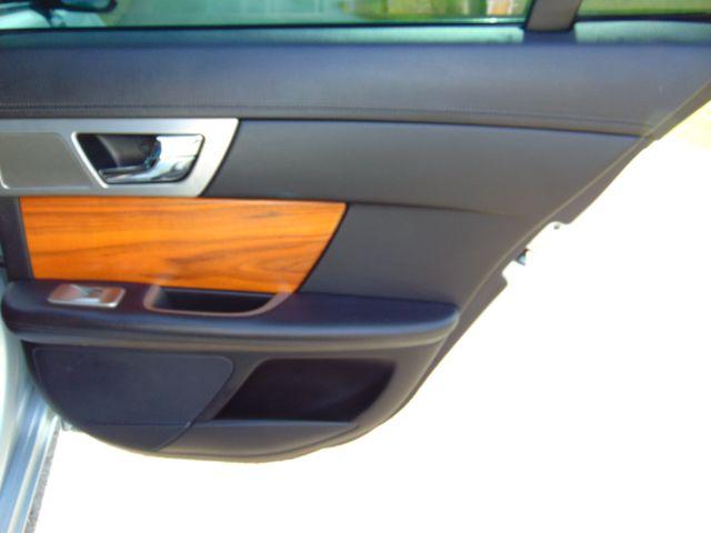 2010 Jaguar XF Luxury Leesburg, Virginia 46