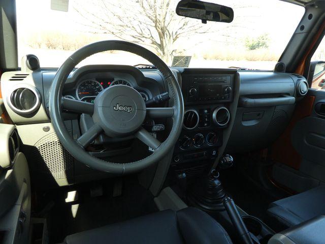 2010 Jeep Wrangler Unlimited Mountain Leesburg, Virginia 15