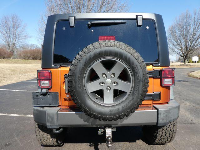 2010 Jeep Wrangler Unlimited Mountain Leesburg, Virginia 3