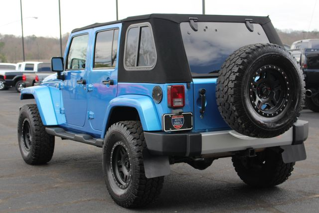 2010 Jeep Wrangler Unlimited Sahara 4X4 - NAV - LIFTED - EXTRA$! Mooresville , NC 25