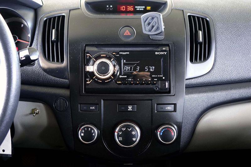 ... 2010 Kia Forte EX* Manual Trans* Cloth Interior* EZ Finance** ...
