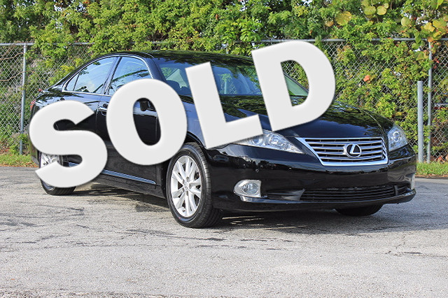 2010 Lexus ES 350  WARRANTY CARFAX CERTIFIED AUTOCHECK CERTIFIED 7 SERVICE RECORDS FLORIDA