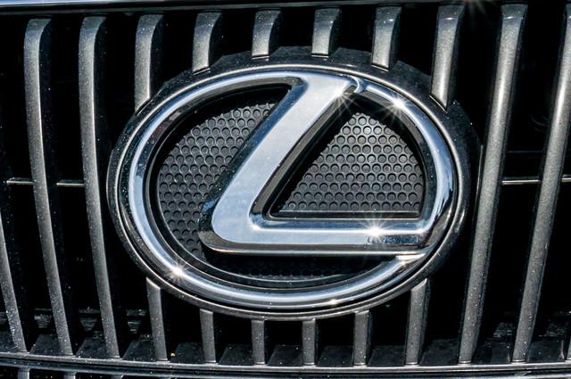 2010 Lexus IS 250 AUTO - 67K MILES - NAVI - HTD/CLD STS Reseda, CA 44