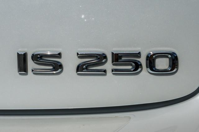 2010 Lexus IS 250 AUTO - 67K MILES - NAVI - HTD/CLD STS Reseda, CA 43