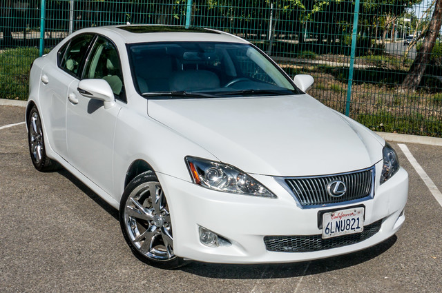 2010 Lexus IS 250 AUTO - 67K MILES - NAVI - HTD/CLD STS Reseda, CA 41