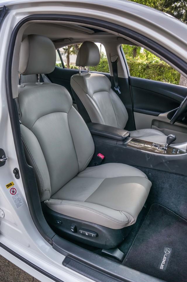 2010 Lexus IS 250 AUTO - 67K MILES - NAVI - HTD/CLD STS Reseda, CA 30