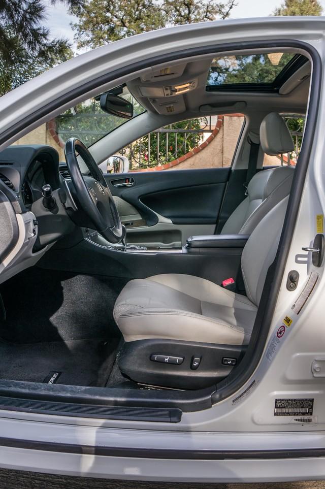 2010 Lexus IS 250 AUTO - 67K MILES - NAVI - HTD/CLD STS Reseda, CA 34