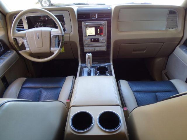 2010 Lincoln Navigator L 2WD San Antonio , Texas 17