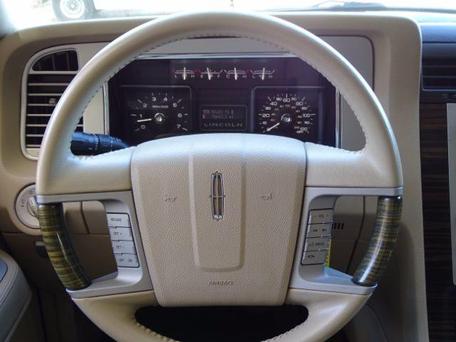 2010 Lincoln Navigator L 2WD San Antonio , Texas 21
