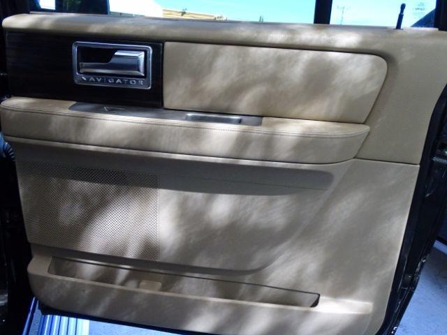 2010 Lincoln Navigator L 2WD San Antonio , Texas 28