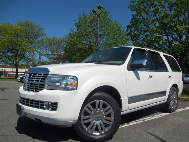 2010 Lincoln Navigator Leesburg, Virginia 0