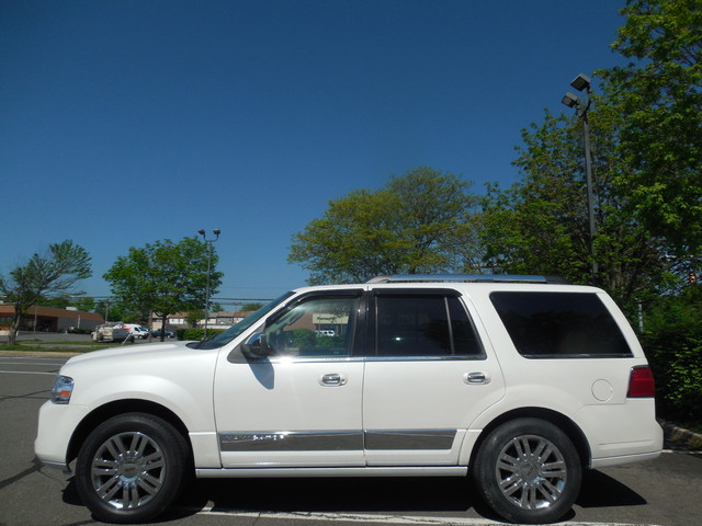 2010 Lincoln Navigator Leesburg, Virginia 4
