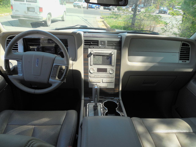 2010 Lincoln Navigator Leesburg, Virginia 11