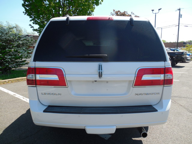 2010 Lincoln Navigator Leesburg, Virginia 7