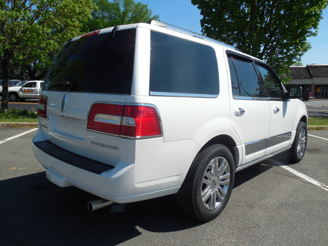 2010 Lincoln Navigator Leesburg, Virginia 2
