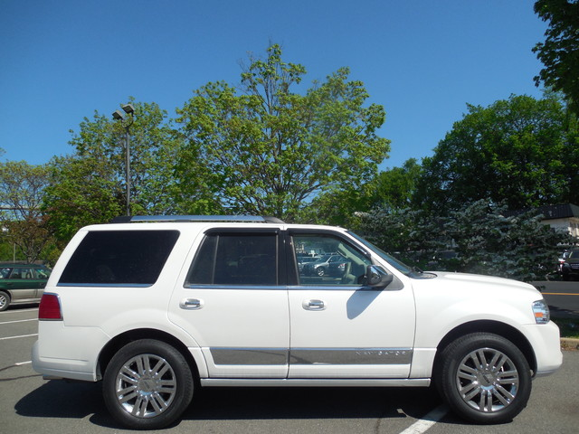2010 Lincoln Navigator Leesburg, Virginia 5