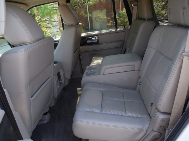2010 Lincoln Navigator Leesburg, Virginia 9