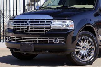 2010 Lincoln Navigator 1-OWNER * Navi * DVD * Chrome 20s * SUNROOF *Quads Plano, Texas 27