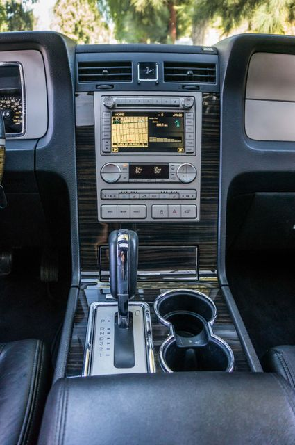 2010 Lincoln Navigator Reseda, CA 22