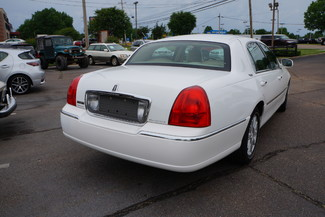 2010 Lincoln Town Car Signature Limited Memphis, Tennessee 36