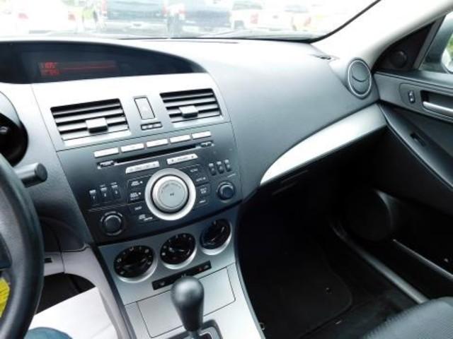 2010 Mazda Mazda3 i Touring Ephrata, PA 12
