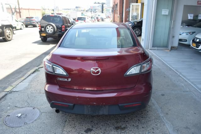2010 Mazda Mazda3 i Touring Richmond Hill, New York 3