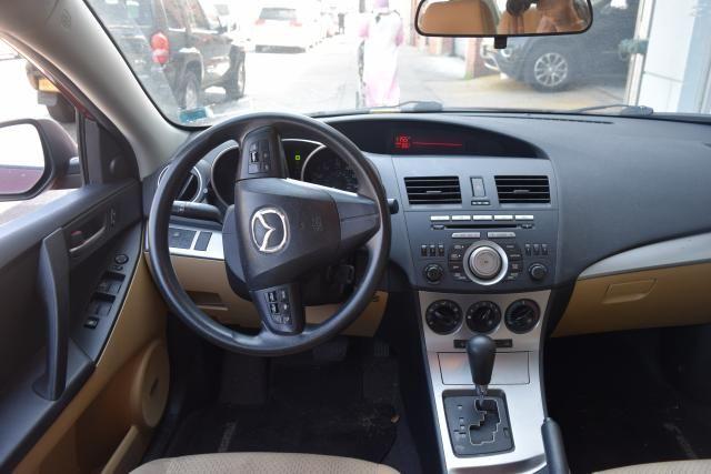 2010 Mazda Mazda3 i Touring Richmond Hill, New York 6