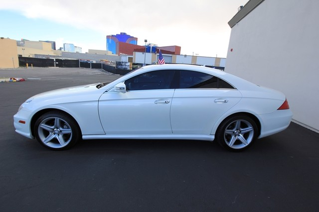 2010 Mercedes-Benz CLS550*AMG SPORT PKG* HARMON* NAVI* BACK UP*  COOL SEAT* LOW MILES* MOON* EVERY OPTION* WOW Las Vegas, Nevada 1