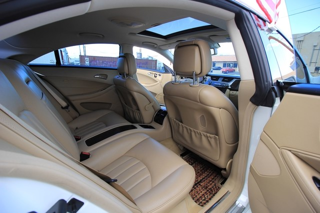 2010 Mercedes-Benz CLS550*AMG SPORT PKG* HARMON* NAVI* BACK UP*  COOL SEAT* LOW MILES* MOON* EVERY OPTION* WOW Las Vegas, Nevada 40